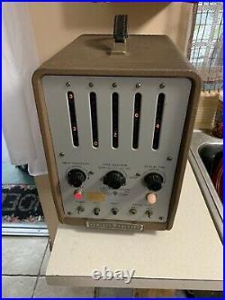 Vintage Hewlett Packard Model 521G Electronic COUNTER