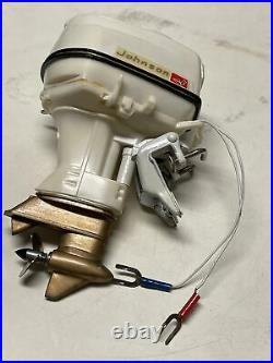 Vtg 1950s Johnson 75HP Toy Outboard Motor Boat Super Sea Horse Sold As Is